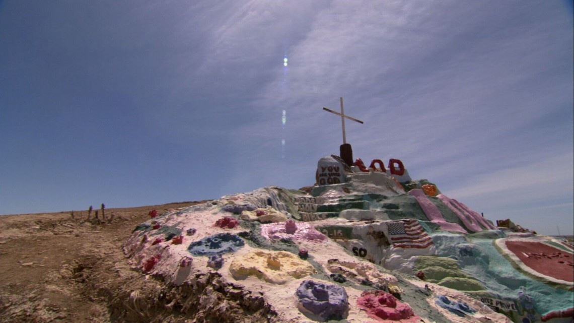 Nichol_Doug_Salvation Mountain_Still_3