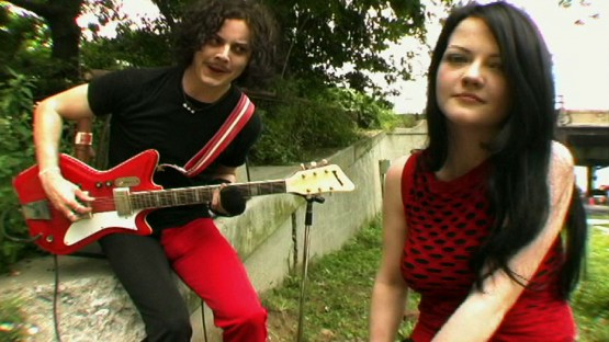 Gondry_Michel_The White Stripes_The Hardest button to button